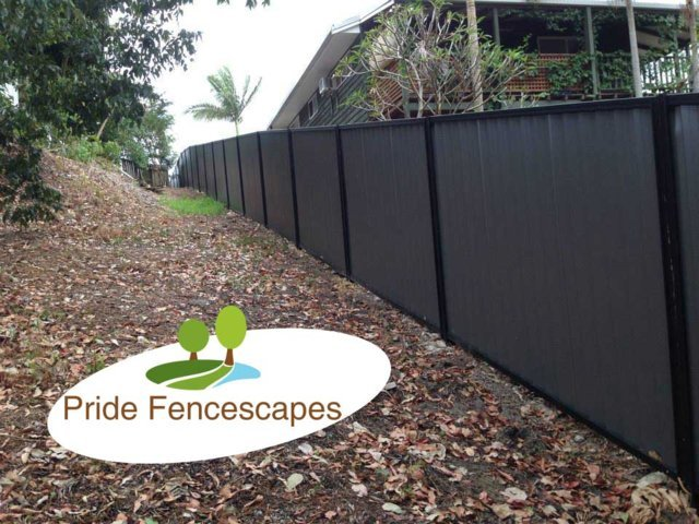 colorbond-fence-gold-coast-by-pride-fencescapes