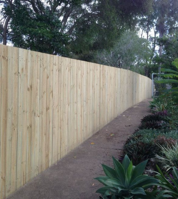 slider-timber-fencing-gold-coast-by-pride-fencescapes